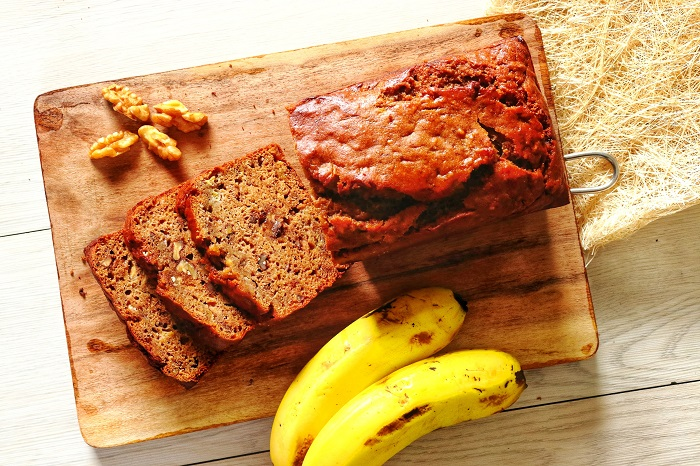 Whole Wheat Banana & Walnut Cake – No Oil, No Butter and No Sugar!