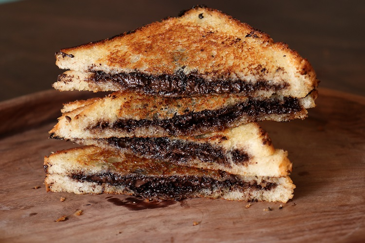 Street Style Chocolate Sandwich Recipe