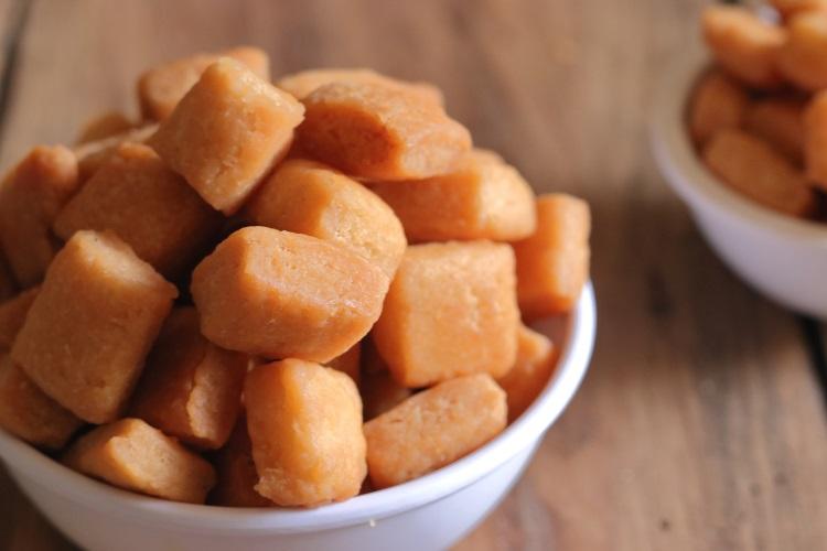Shakkar Paare Recipe