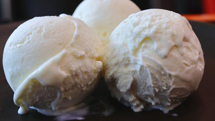 Homemade Vanilla Ice Cream Recipe with 3 Ingredients