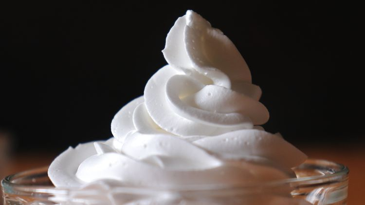 How to Make Whipped Cream at Home
