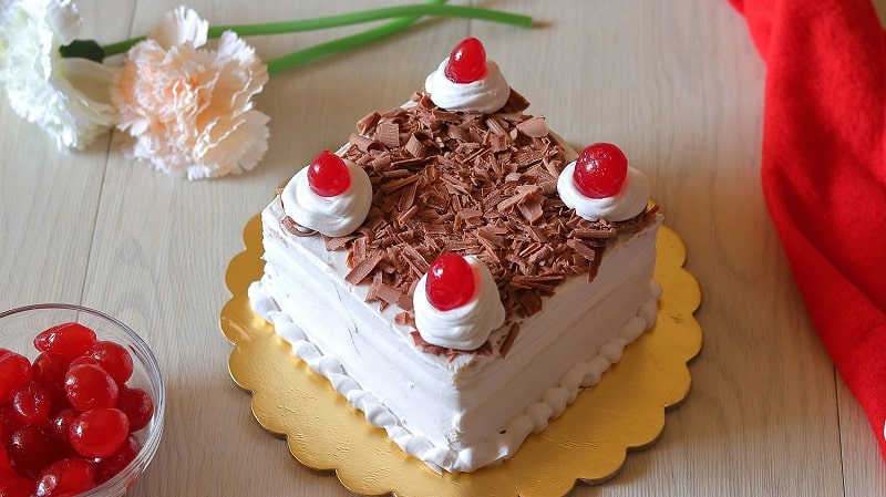 Instant Black Forest Cake | Bread Cake | No Bake Cake