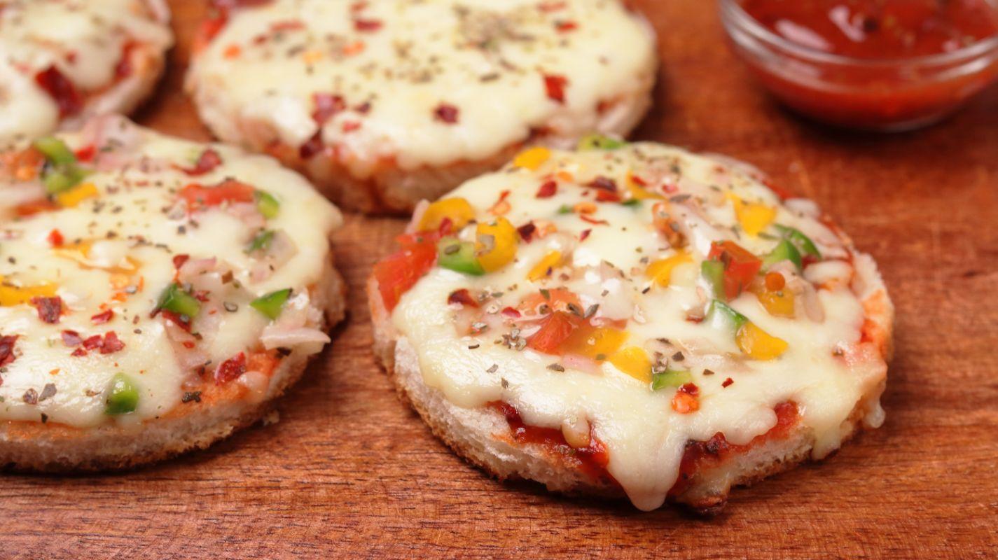 Mini Bread Pizza Recipe