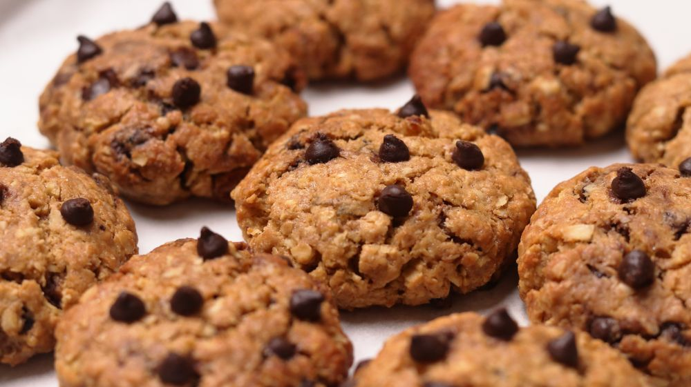 healthy oats chocolate chip cookies