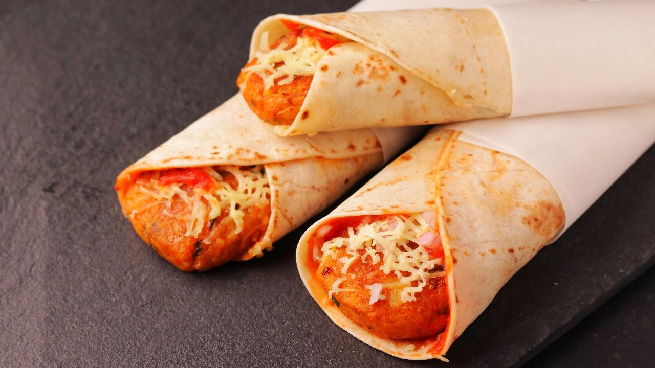 Achari Veg Cheese Roll